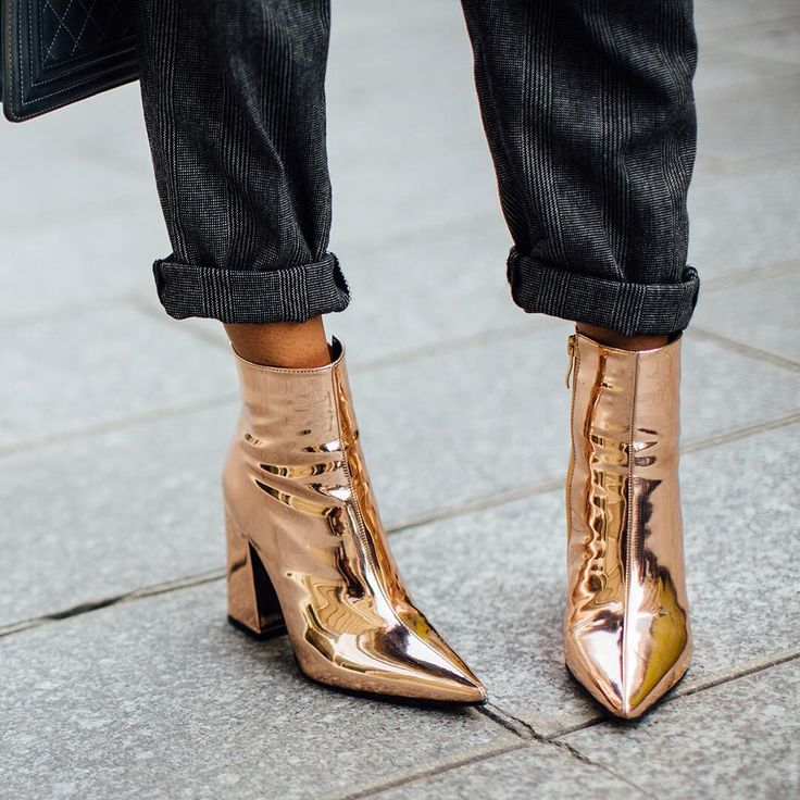 """12.9k Likes, 97 Comments - The Blonde Salad (@theblondesalad) on Instagram: """"TRENDS: Gold on your feet ✨ discover more in our story!  #theblondesalad #ankleboots #boots #trends"""""""