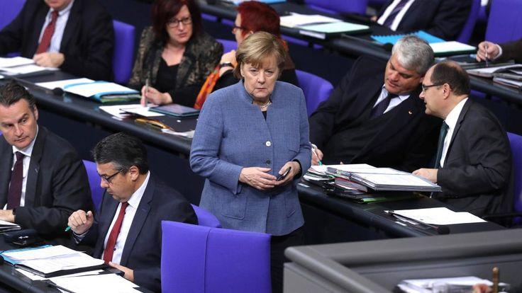 Spenden über 50.000 Euro müssen Parteien sofort mitteilen. Der Bundestag veröffentlichte nun die Großspender des Wahljahres. Eine halbe Million ist die höchste Summe. Die Verteilung ist sehr ungleich.