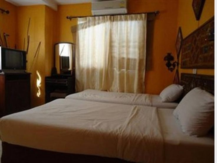 Koh Phi Phi Pirates House Hotel Thailand, Asia The 2-star Pirates House Hotel offers comfort and convenience whether you're on business or holiday in Koh Phi Phi. The hotel has everything you need for a comfortable stay. Facilities like free Wi-Fi in all rooms, Wi-Fi in public areas, room service, restaurant, tours are readily available for you to enjoy. Designed for comfort, selected guestrooms offer internet access – wireless (complimentary), air conditioning, desk, mini bar...