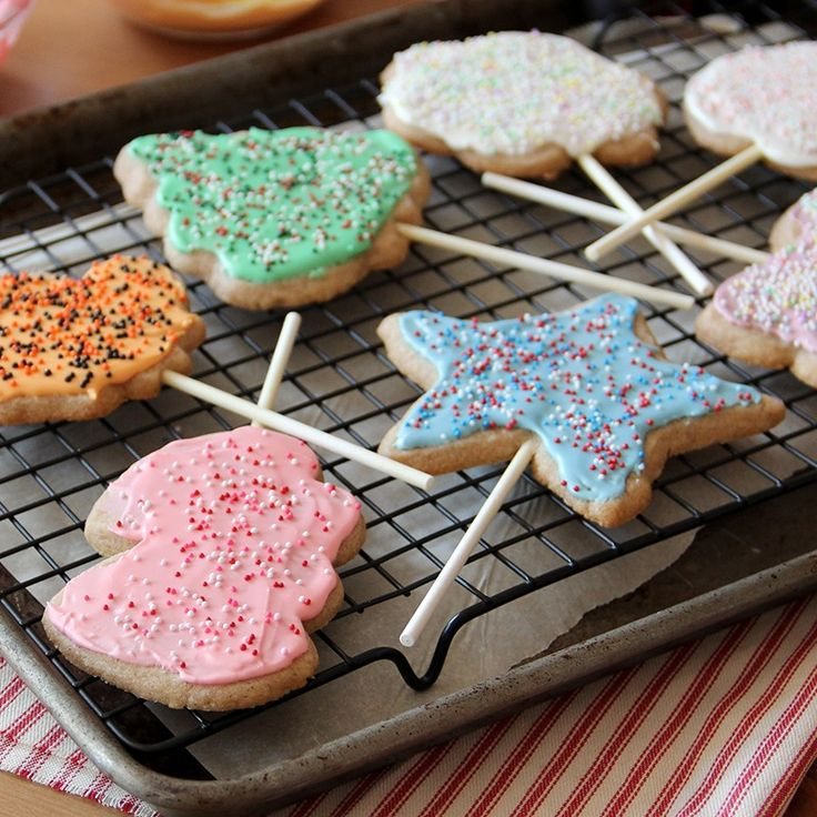 Cinnamon Holiday Cookie Pops   -   A fun cookie to make and decorate during the holidays or for any special occasion. For Valentine's Day use heart-shaped cookie cutters or the 4th of July use star-shaped cookie cutters.
