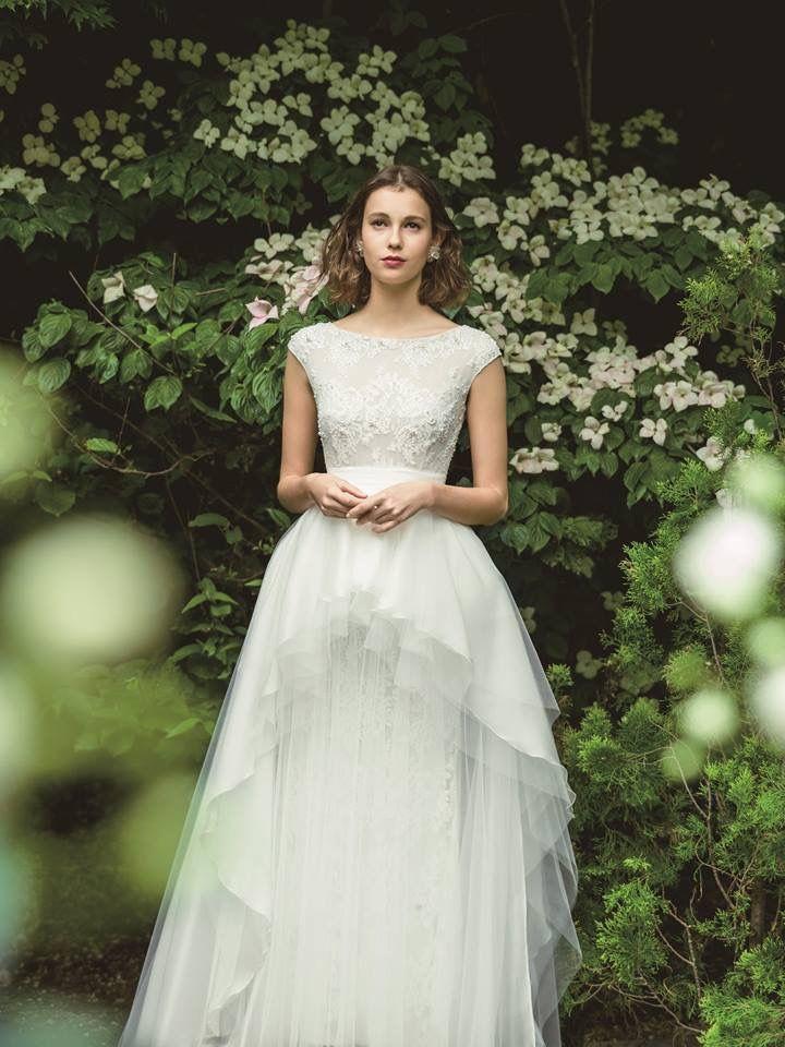 Casiopeia, a very stylish bridal dress!❤ #ersaatelier #casiopeia #weddingdress #peplum #frenchlace #handmadeembridery #swarovskicrystals #luxuryfashion www.ersaatelier.com  Follow us on Instagram:  https://www.instagram.com/ersaatelierofficial/ Follow us on Pinterest: https://ro.pinterest.com/ersaatelier0052/