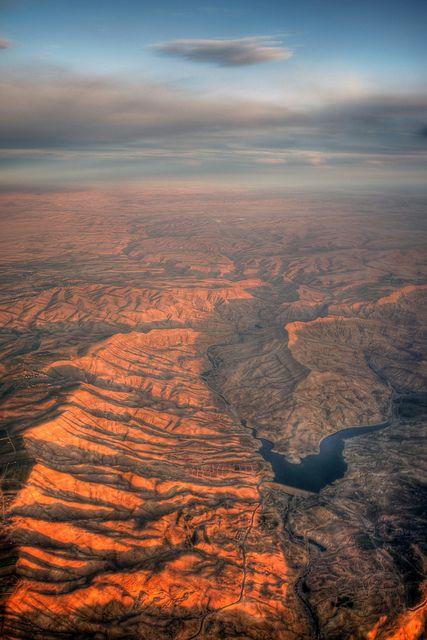 Jordanië, zonsondergang woestijn