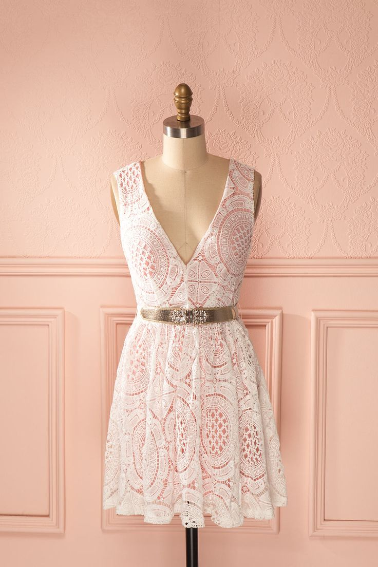Une petite robe sucrée pour la plus jolie des demoiselles ! A little sweet dress for the most beautiful lady! Pink and white sleeveless lace belted dress www.1861.ca