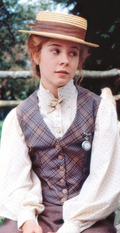 anne-green-gables-tartan-waistcoat-gilvert-straw-boater-hat-pocket-watch-fob.jpg (388×749)