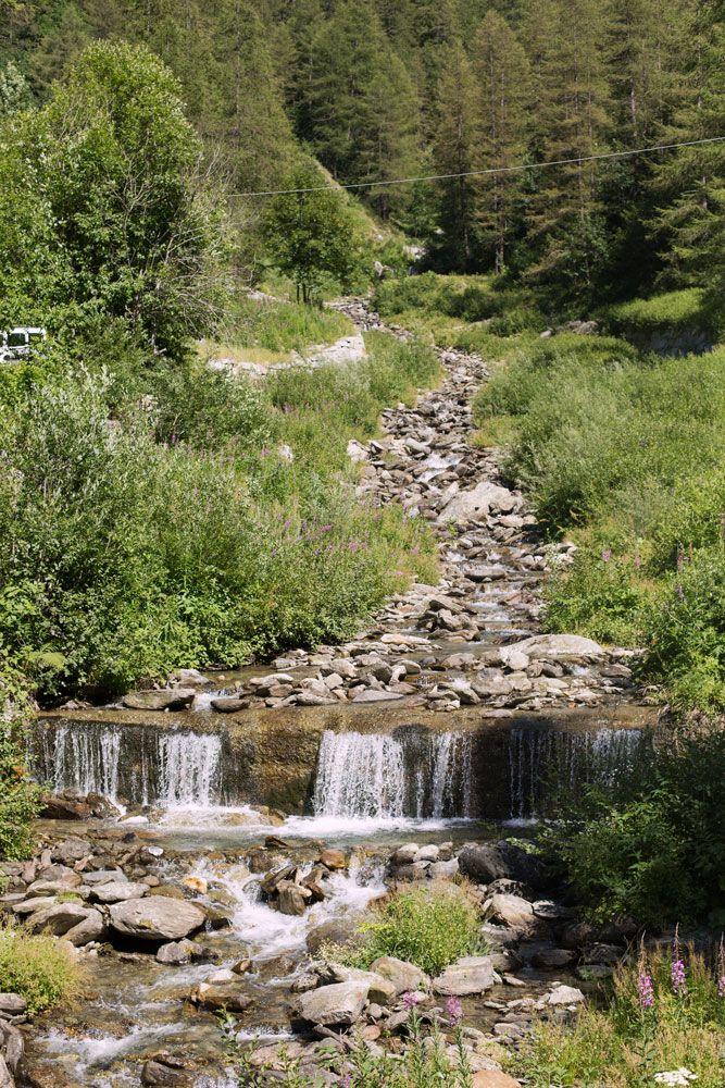 Prali Italy Samantha De Reviziis  creek Germanasca