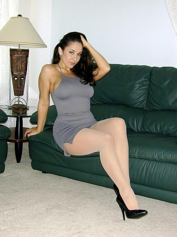 Mature pantyhose heels movies