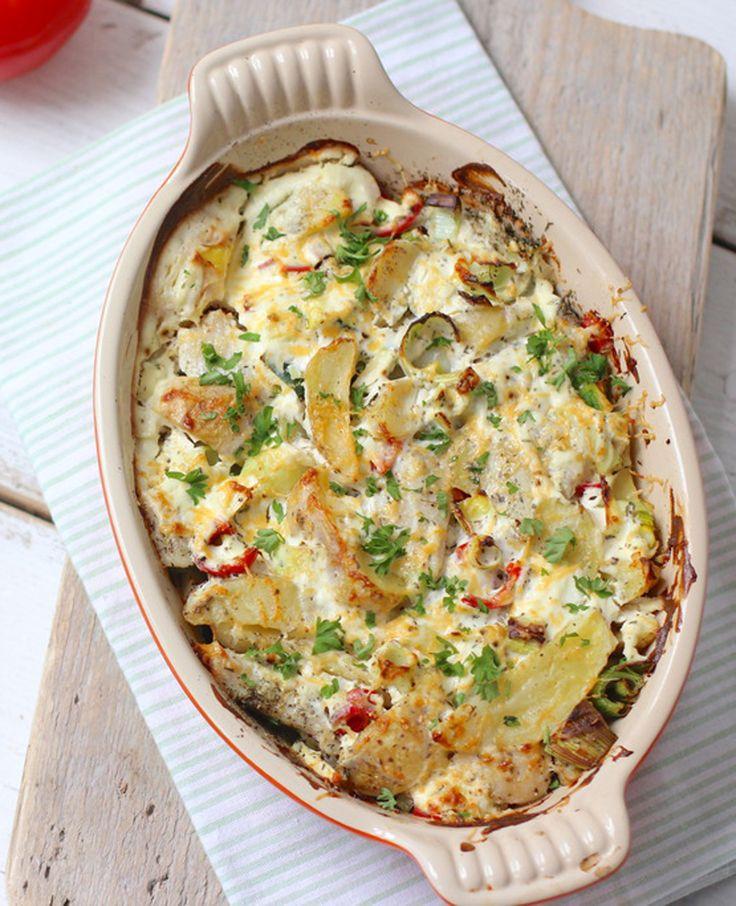 Heb je zin in een ovenschotel met vis? Dan ga je dit erg lekker vinden!  Hello,  Gezondvoorstel.com