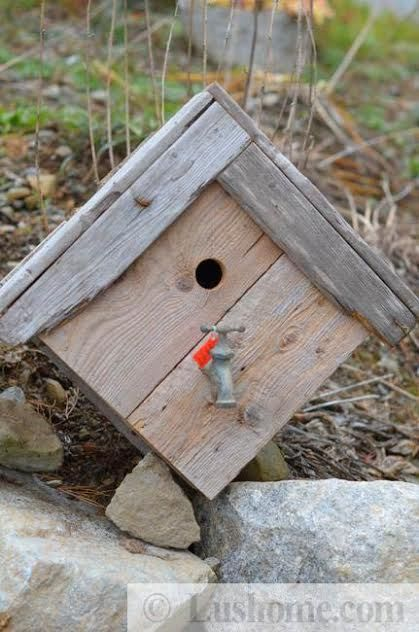 reclaimed wood birdhouses, diy recycling and craft ideas