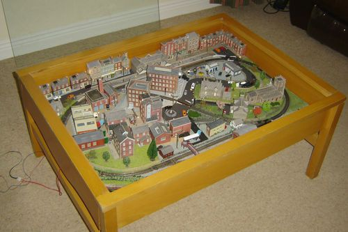 n gauge train layout set coffee table | model train table