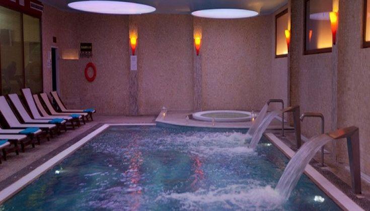 Χριστούγεννα ΚΑΙ Πρωτοχρονιά στο 4* Aquamarina Hotel του Ομίλου XENOTEL, στο Μάτι Αττικής μόνο με 240€!