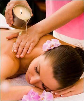 MASSAGEM DAS VELAS Envolva o seu corpo com essências, as velas de massagem nutrem e revigoram a pele com manteiga de karité. (Duração: 60min)