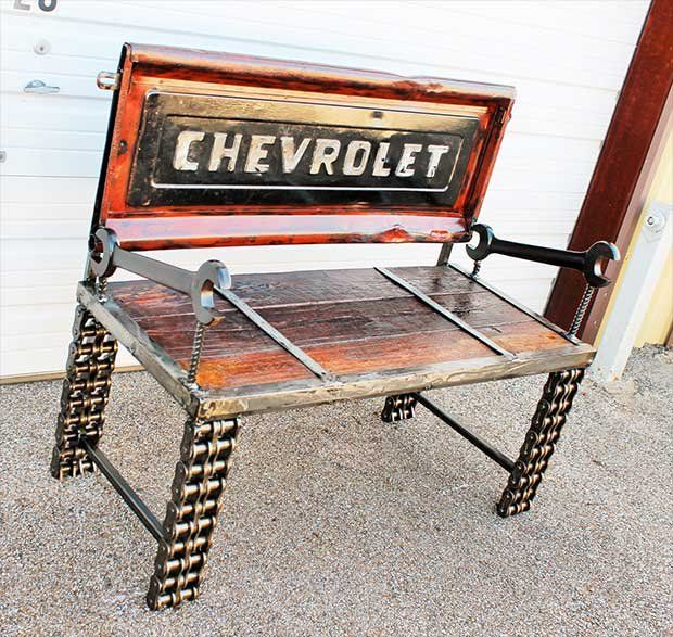 10 Truck Tailgate Benches - Real Country Ladies