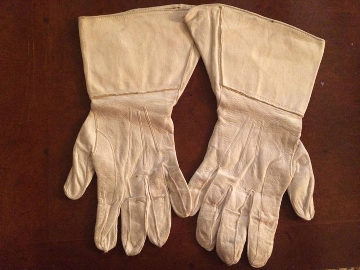 """White leather gauntlet gloves with 5"""" leather cuff. Antique White Gauntlet Glove"""