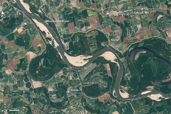 The Mississippi River from space. Last years floods vs this years drought