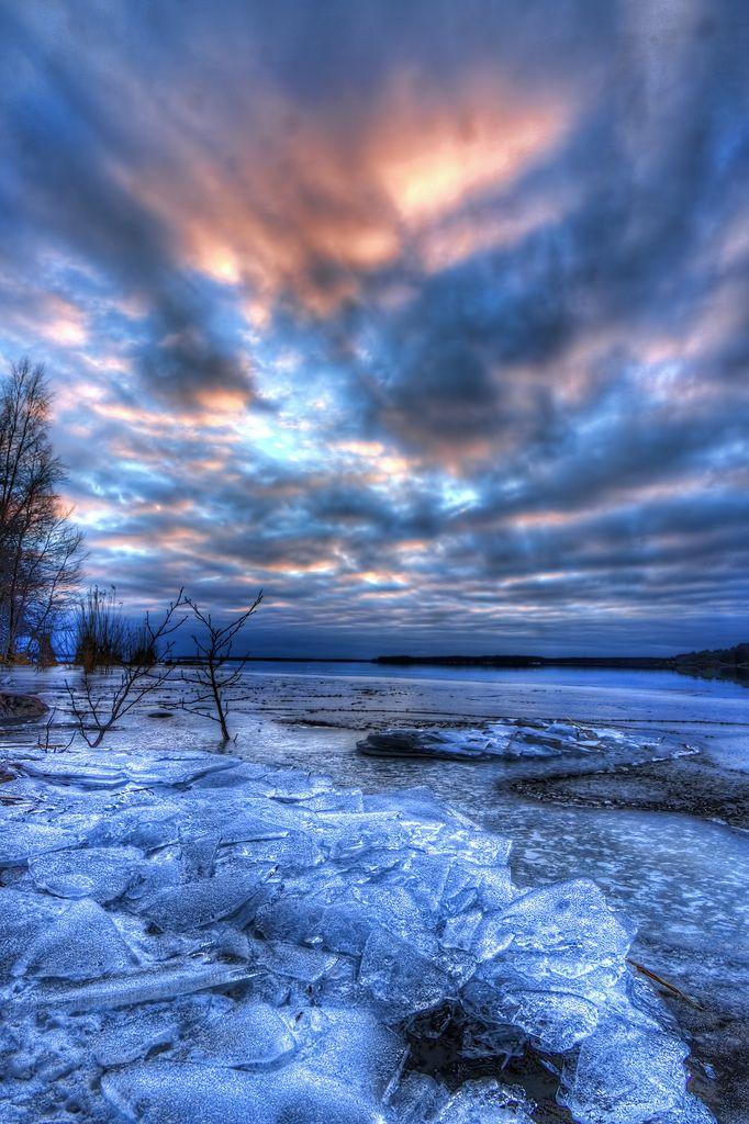 Thin ice, Karlstad, Sweden, by Matthias Lehnecke.