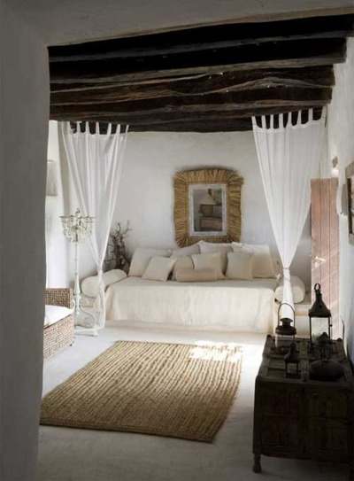 micasaessucasa:    (via a rustic summer home on formentera | the style files)
