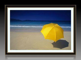"""Багетная фотокартина """"Желтый зонтик на берегу моря"""""""