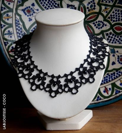 """""""Mademoiselle Celie"""" - netted necklace  by La Bijoutisse - Coco. Pattern for sale via her site."""