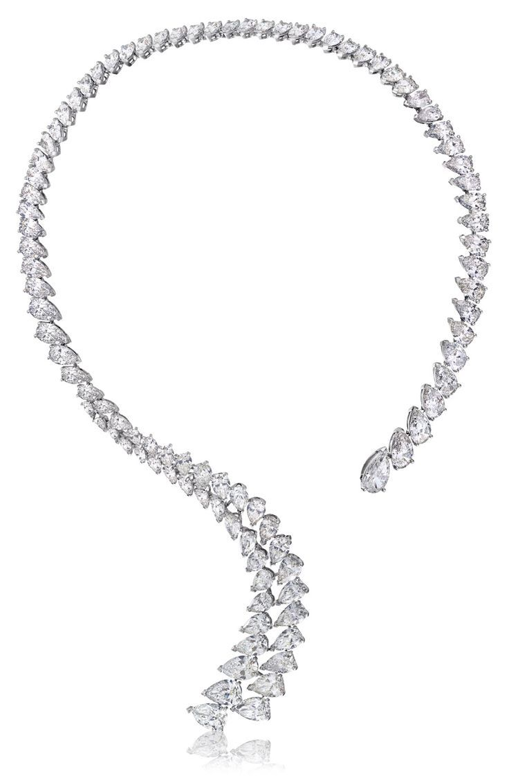 Diamond Necklaces : De Beers' Imaginary Nature necklace without brooch.