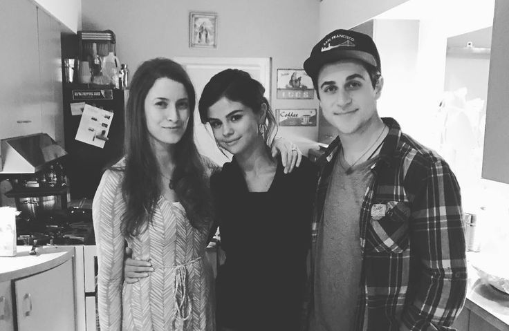 @davidhenrie: We had the best time last night. We dreamed up what our wizards characters are doing present day lol, and talked about the fact that I started all of @selenagomez social media platforms ;)