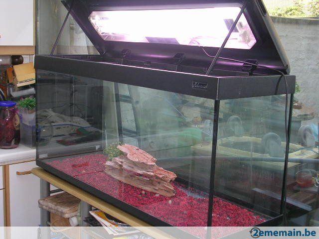 1000 id es sur le th me aquarium a vendre sur pinterest en bois et aquarium. Black Bedroom Furniture Sets. Home Design Ideas