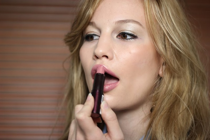Rimmel London- Airy Fairy Lipstick