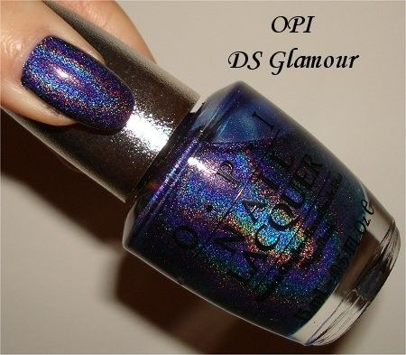This is one of my favourite holos to wear. It's from the old OPI Designer Series collection. nails