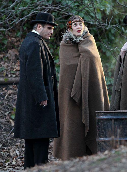 "marion cotillard  on set  | Marion-Cotillard and Joaquin Phoenix, James Gray's ""The Immigrant"""