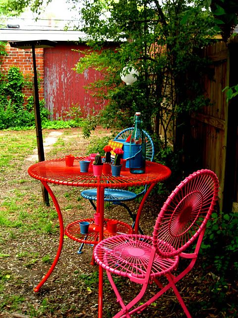 DIY Painted Outdoor Furniture