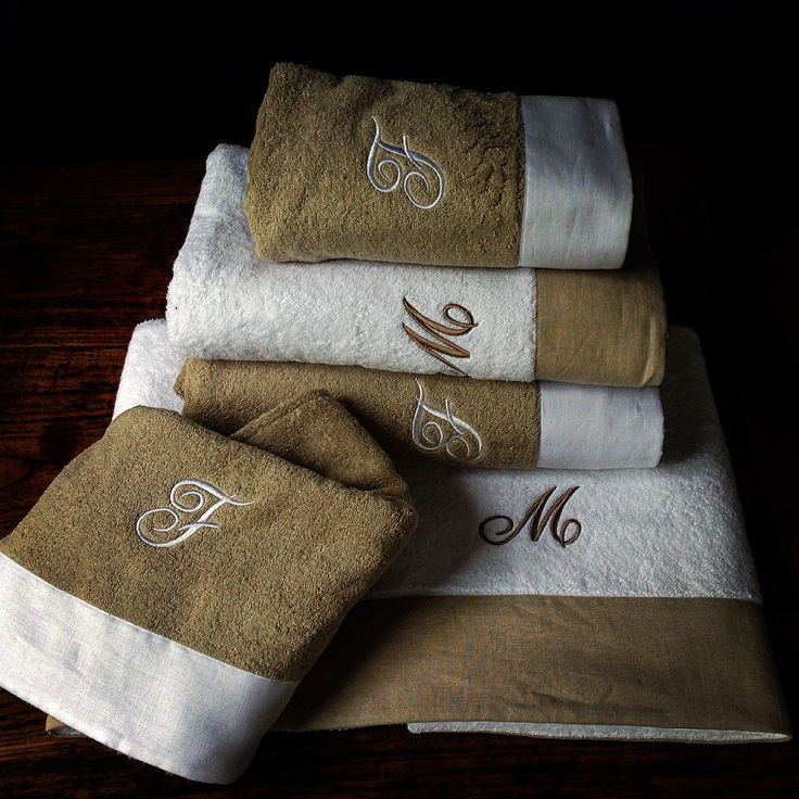 MarinaC - matching fluffy towels with embroidered monograms - super chic shop.marinac.it  #marinacmilano