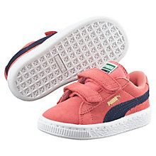 """Born in 1968, the Suede was a warm-up shoe made infamous by athletic greats such as basketball's Walt """"Clyde"""" Frazier and the track's Tommie Smith. It hit new levels of fame during the '80s dawn of b-boys and hip hop beats, and, to this day, it remains PUMA's most epic icon of sport-inspired style with its smooth suede and streetwise swagger. Here, we've traded its laces for easy-on straps and shrunken it down for young legends in the making.  Features:   Suede upper with perforated…"""