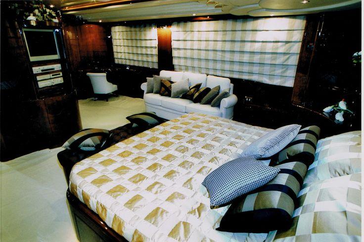 Il Relooking nautico di Carla Designer è un design di nuova tendenza, attento alla rivisitazione dei mobili, alla ricerca di nuovi tessuti e materiali, al restauro di mobili di pregio, alla trasformazione dell'ambiente creando scenari innovativi con finiture di pregio.