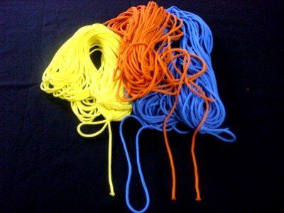 Как связать две нити без узла при вязании. Остроумный способ!