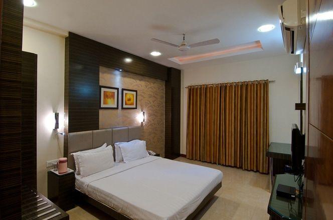 If you are planning to visit Ujjain to visit its magnificent temples, then you would also need a place to stay. Some of the most affordable and hospitable Ujjain Hotels are Hotel Mittal Avenue, Imperial Hotel, Hotel Hilton Tower, etc. These hotels are known for its competitive rates and comfortable accommodation.