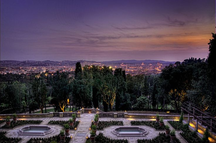 Delight yourself with this stunning view from Il Salviatino #adayinflorence #firenze #tuscany #views