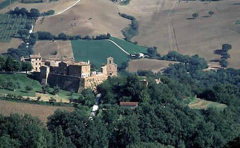 Il Castello di Loretello (Arcevia)