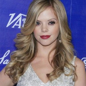 Check out Dreama walker evolving hairstyles and also see some tips for re-create your hair easily.