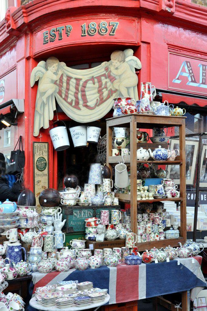 Portobello Road Market , Londres.