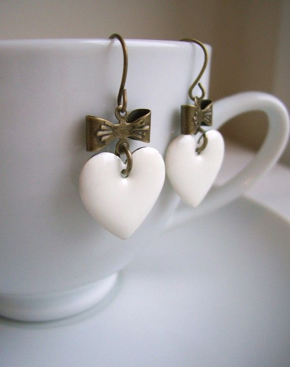 heart earrings - pretty idea as cup hangers