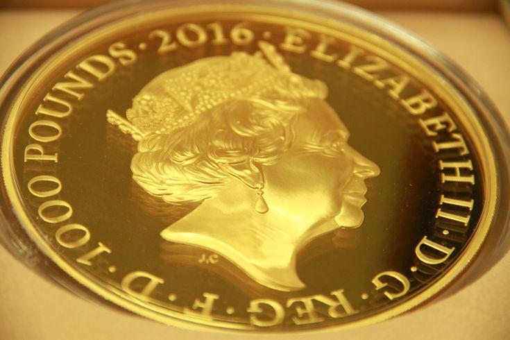 Avers pamětní mince