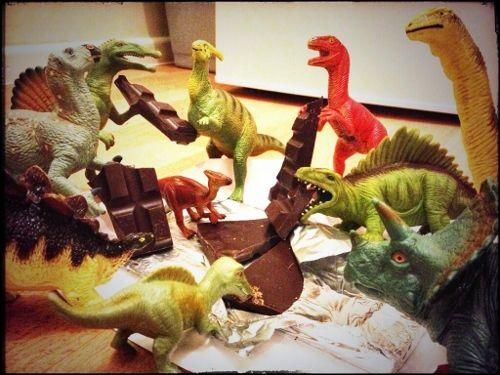 Eats Amazing -#dinovember day 7 - Hungry dinosaurs are raiding the chocolate