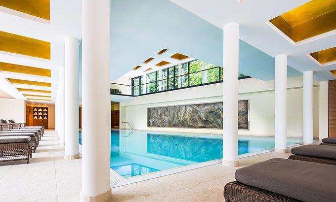 """Schwimmbad """"Waldquell"""", 32°C Wellnesshotel Schindelbruch"""