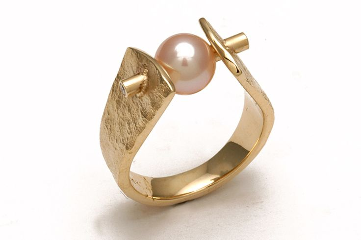 Thomas Turner Jewelry  ||  14K Gold Ring - 7.5mm Pearl, 0.04cttw. Diamonds (7.5g) - Price: $1100