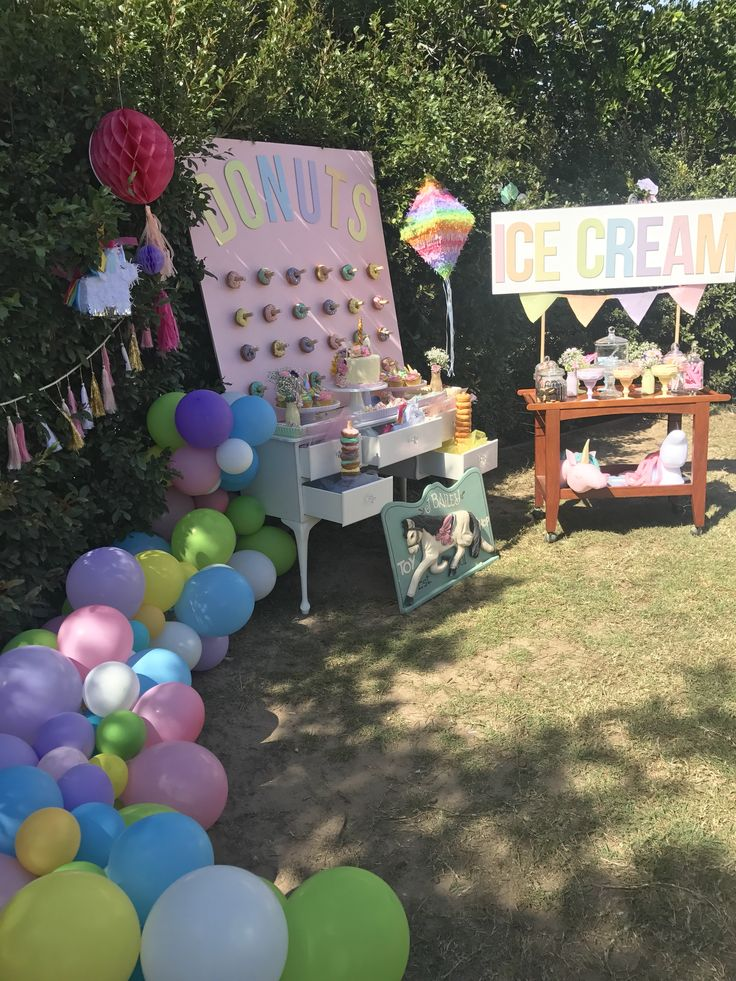Rainbow unicorn party, organic balloon garland, pastel colours