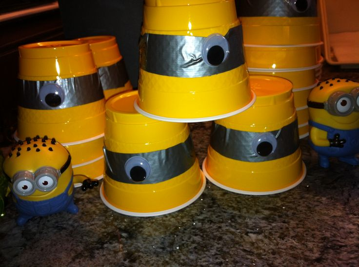 diy minion party ideas despicable me party decorations. Black Bedroom Furniture Sets. Home Design Ideas