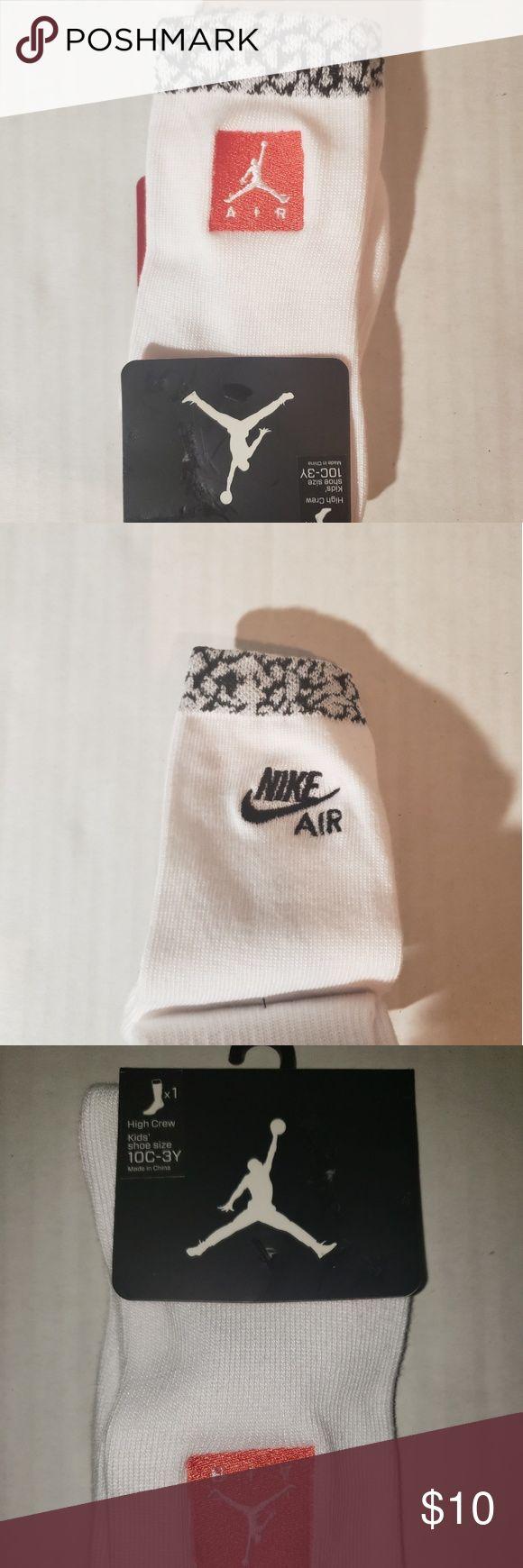 NWT Boy's Jordan socks Brand New. Never been worn size 10 C- 3y Jordan Acces…