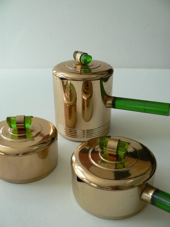Art Deco 1930s chrome and green glass pan set - http://www.homedecoz.com/home-decor/art-deco-1930s-chrome-and-green-glass-pan-set/
