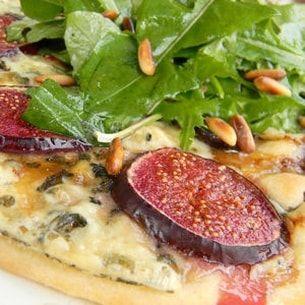 Pizza aux figues et à la fourme d'ambert
