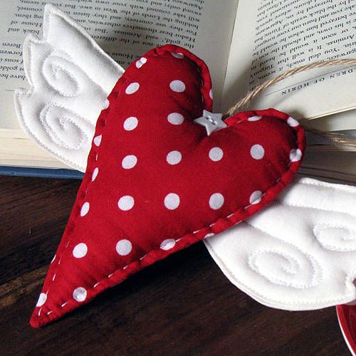 Red polka-dot heart