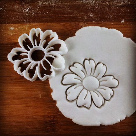 Daisy Flower cookie cutter | biscuit cutters | Flowers | Sunflower | Plants | Bellis perennis Asteraceae | English Daisy one of a kind ooak